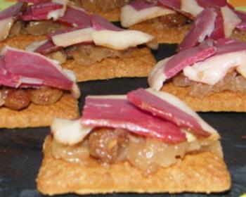 Speculoos, compote de Noël, foie gras, magret et roquette