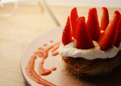 Nid de kadaif fraise et rhubarbe