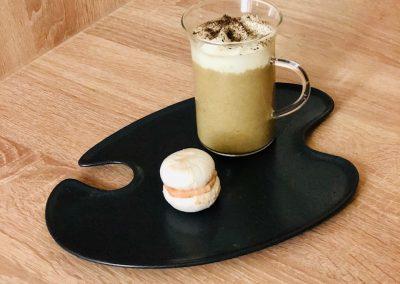 Cappuccino châtaigne, chanterelles, chantilly truffes et macaron de foie gras