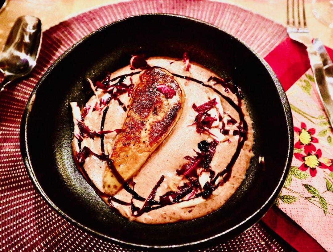 Velouté d'haricots rouges et foie gras poêlé